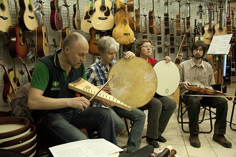Как музыкальные инструменты влияют начеловека?